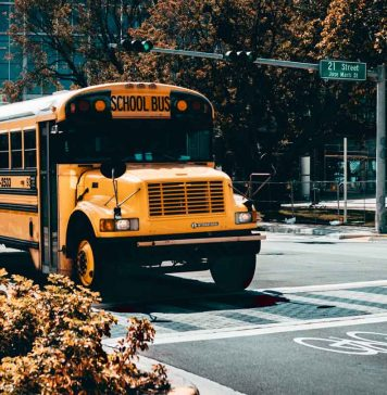 School-Bus-Rentals-4-Benefits-of-Hiring-Them-on-lifehack