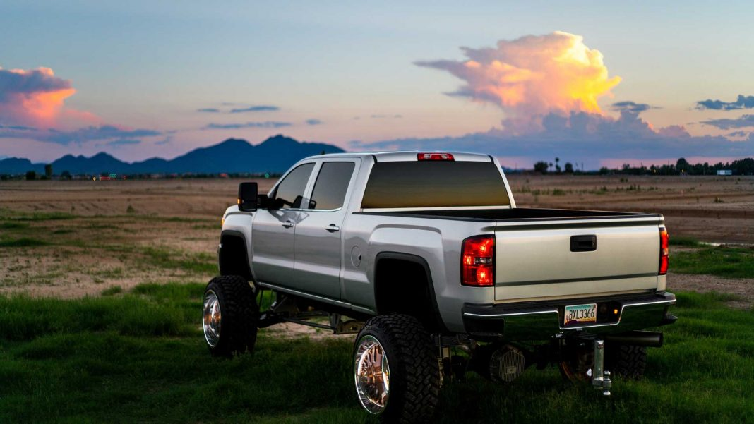 Six-Most-Essential-Accessories-for-Your-Ford-Truck-on-lifehack